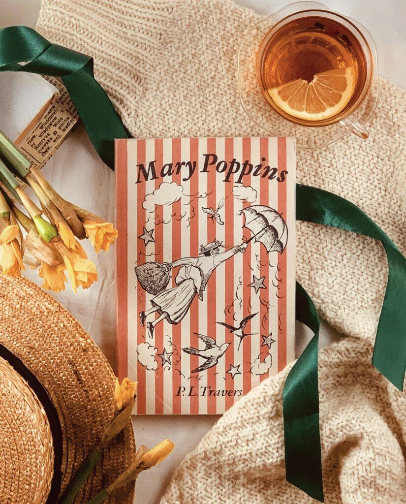 książka o Mary Poppins